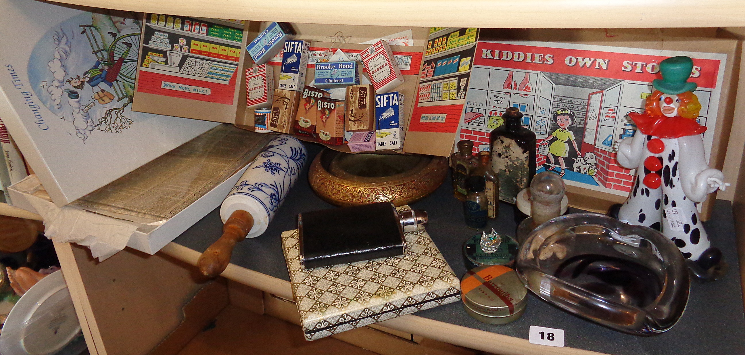 Lot 18 - Shelf of miscellaneous items including signed Tero glass ashtray etc.