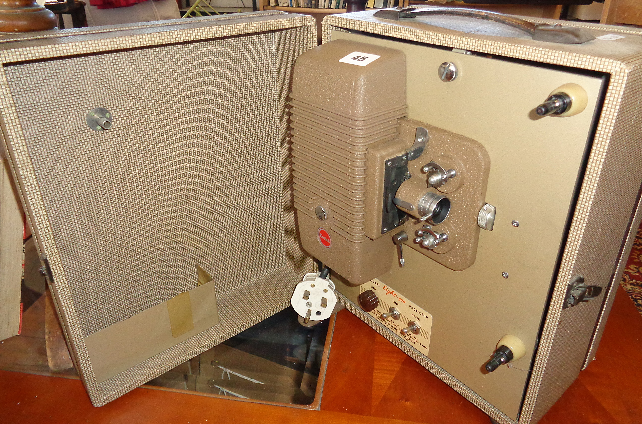 Lot 45 - Kodascope Eight - 500 projector