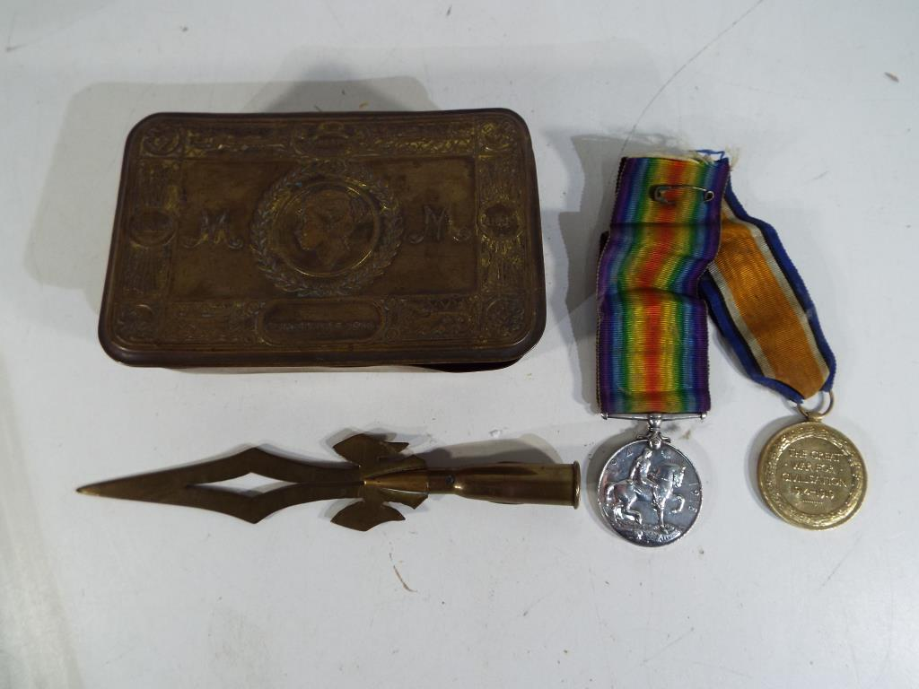 Lot 48 - A WWI (World War One) Princess Mary 1914 brass Christmas tin,