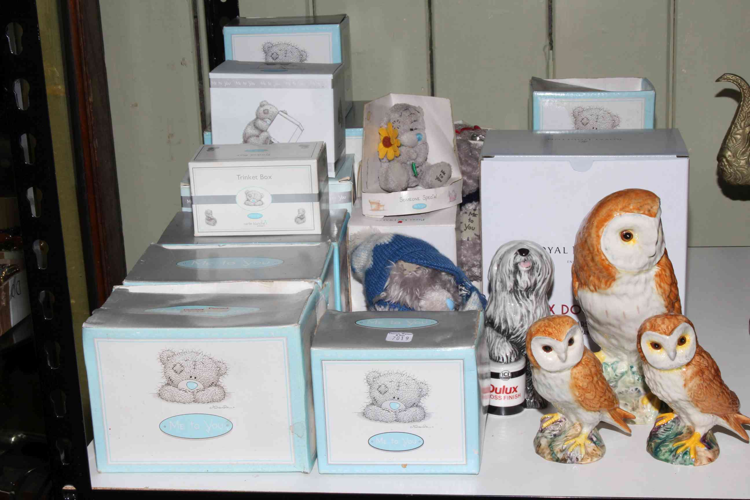 Lot 72 - Collection of ceramics and figurines including Me to You Bears, Beswick Owls,