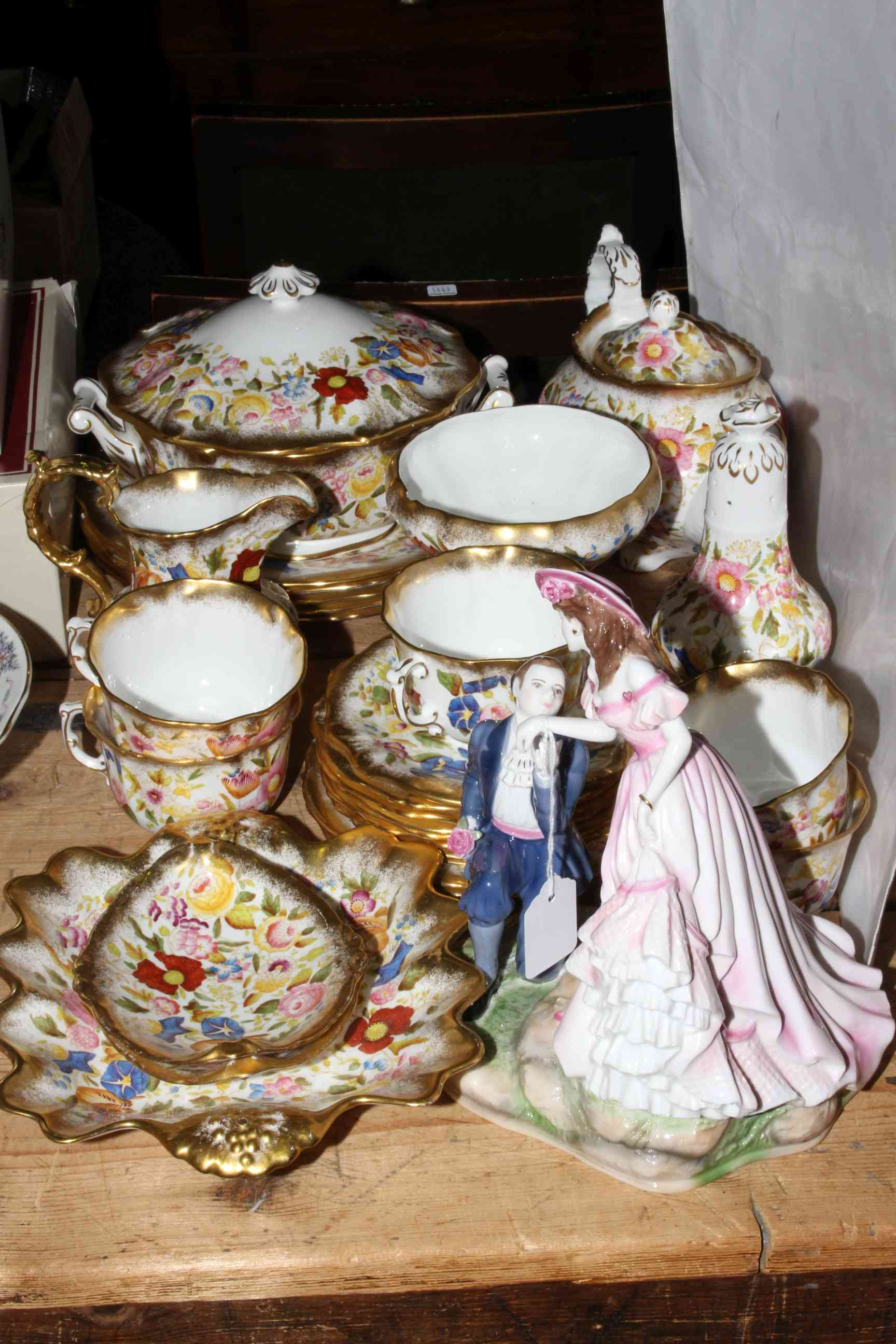 Lot 37 - Twenty seven pieces of Hammersley 'Queen Anne 13166' bone china including tureen and teapot,