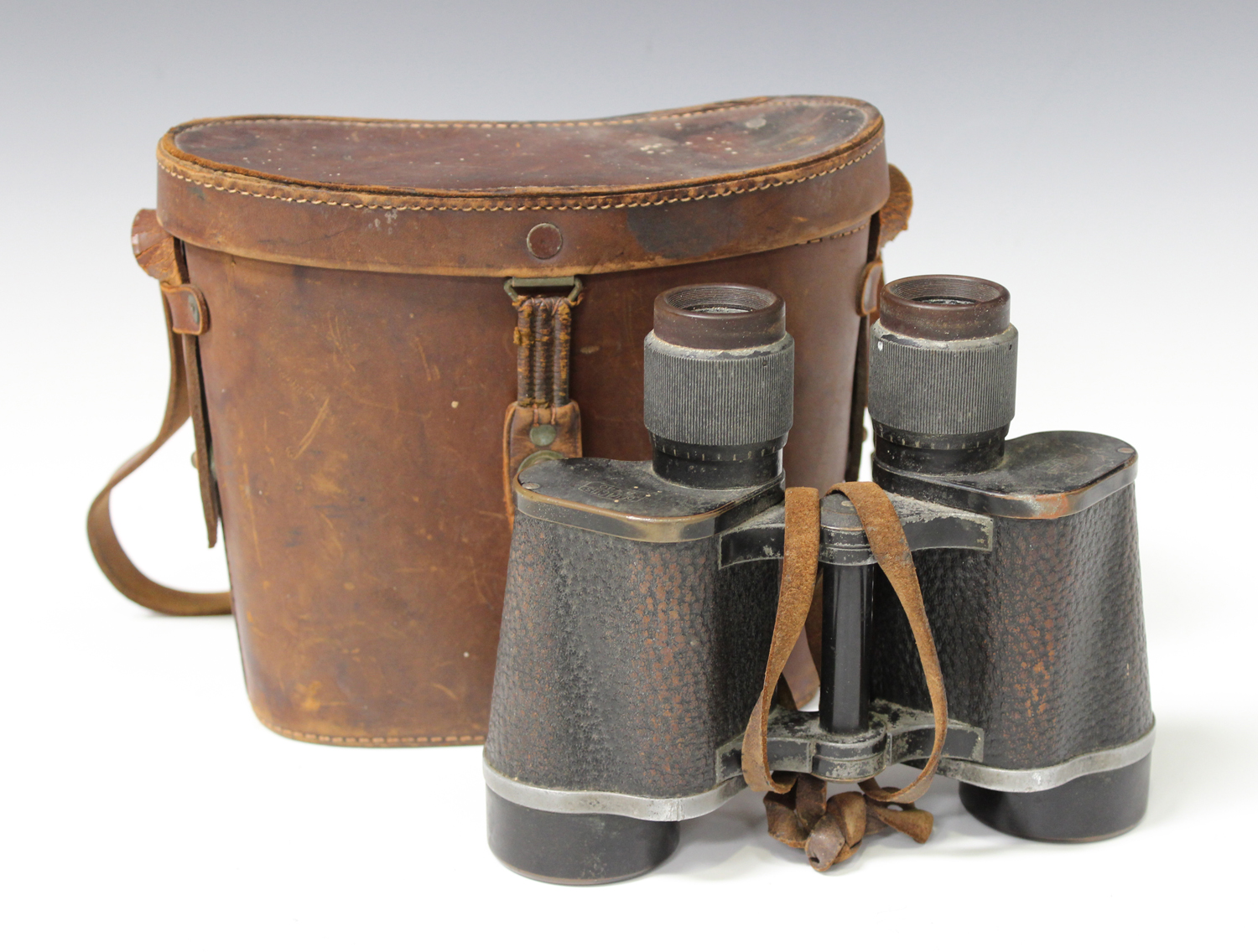 Lot 1177 - A pair of early 20th century Carl Zeiss Jena Delactis 8 x 40 binoculars, with brown leather case.