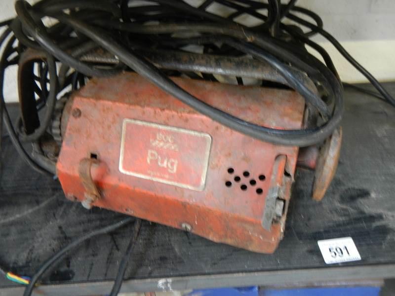 Lot 591 - A BOC pug metal plate cutter