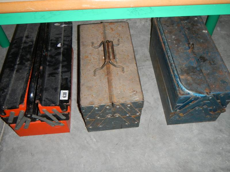 Lot 638 - 3 tool boxes and contents.