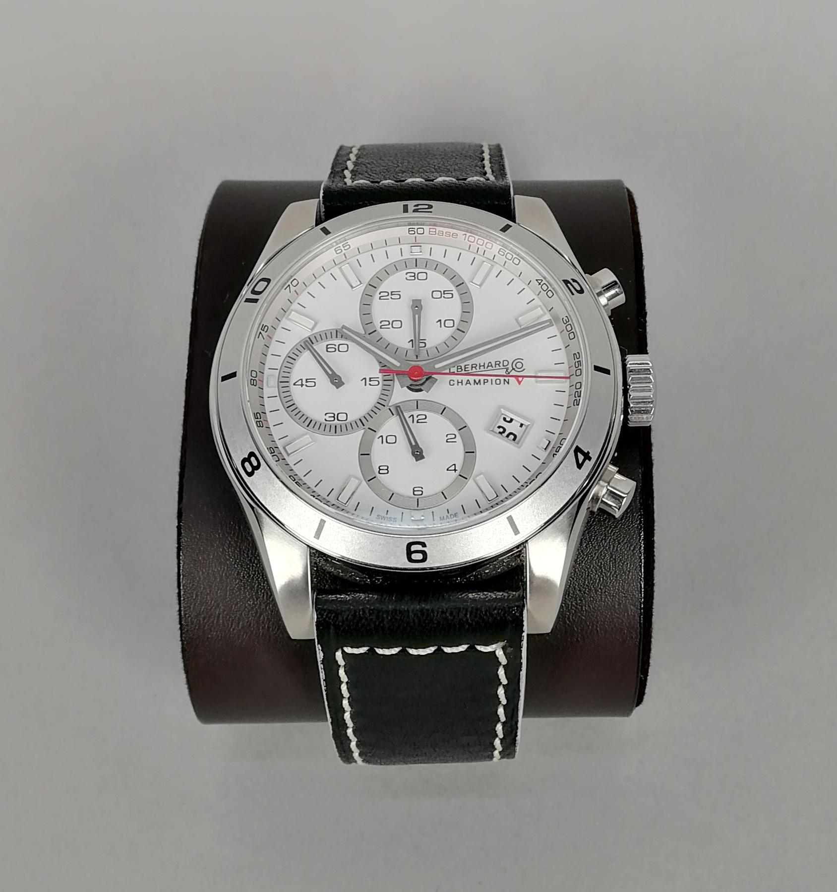 Lot 19 - EBERHARD. Orologio da uomo in acciaio, crono automatico, serie attuale, modello Champion V.