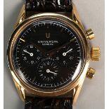 Lot 40 - UNIVERSAL GENEVE. Orologio in oro giallo 18 kt., modello Compax. Cronografo a tre contatori.