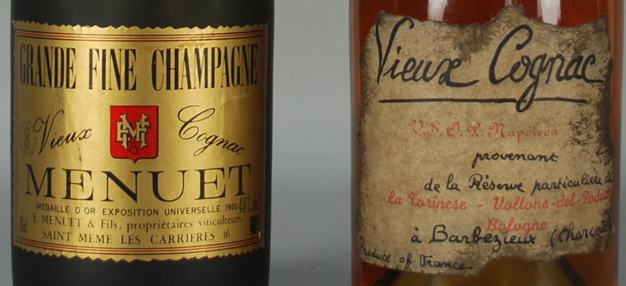 Lot 60 - Due VIEUX Cognac: - VIEUX COGNAC MENUET. Grande Fine Champagne. Casa premiata con la Medaglia d'