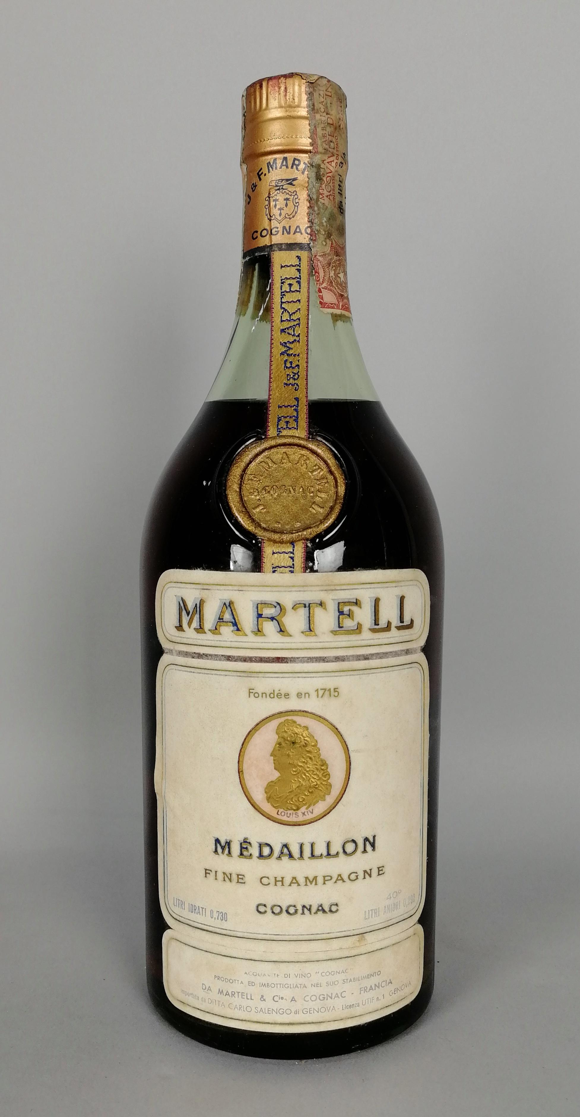 Lot 54 - Cognac MARTELL - Médaillon. Acquaviti della Grande e Petite Champagne invecchiati circa dodici anni.