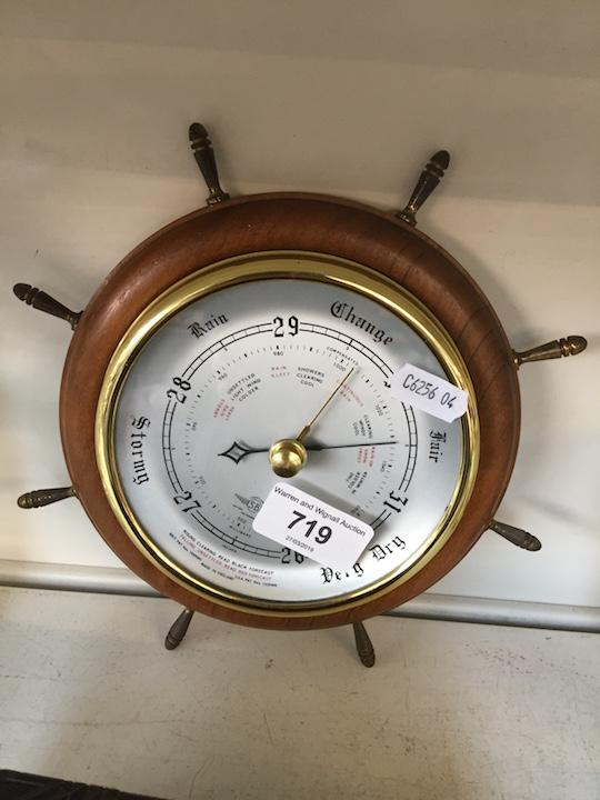 Lot 719 - A circular barometer