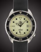 """A RARE GENTLEMAN'S STAINLESS STEEL TAG HEUER PROFESSIONAL200 METRES AUTOMATIC """"NIGHTDIVER""""WRIST"""