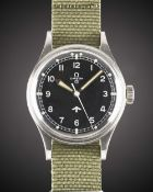 A GENTLEMAN'S STAINLESS STEEL BRITISH MILITARY OMEGA RAF PILOTS WRIST WATCH DATED 1953, REF. 2777-