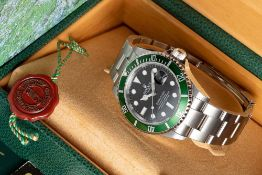 """A GENTLEMAN'S STAINLESS STEEL ROLEX OYSTER PERPETUAL DATE """"ANNIVERSARY"""" SUBMARINER BRACELET WATCH"""