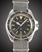 A RARE GENTLEMAN'S STAINLESS STEEL BRITISH MILITARY ROYAL NAVY CWC AUTOMATIC DIVERS WRIST WATCH