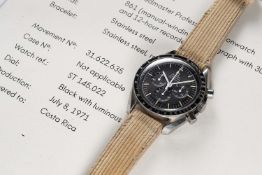 A RARE GENTLEMAN'S STAINLESS STEEL OMEGA SPEEDMASTER PROFESSIONAL CHRONOGRAPH WRIST WATCH DATED