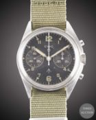 A GENTLEMAN'S STAINLESS STEEL BRITISH MILITARY CWC ROYAL NAVY CHRONOGRAPH WRIST WATCH DATED 1980,