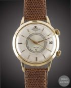 A GENTLEMAN'S 18K SOLID GOLD JAEGER LECOULTRE MEMOVOX AUTOMATIC ALARM WRIST WATCH CIRCA 1960, WITH