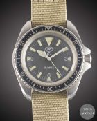 A GENTLEMAN'S STAINLESS STEEL BRITISH MILITARY ISSUED CWC QUARTZ ROYAL NAVY DIVERS WRIST WATCH DATED