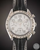 A GENTLEMAN'S SIZE STAINLESS STEEL OMEGA SPEEDMASTER AUTOMATIC CHRONOGRAPH WRIST WATCH CIRCA 2000,