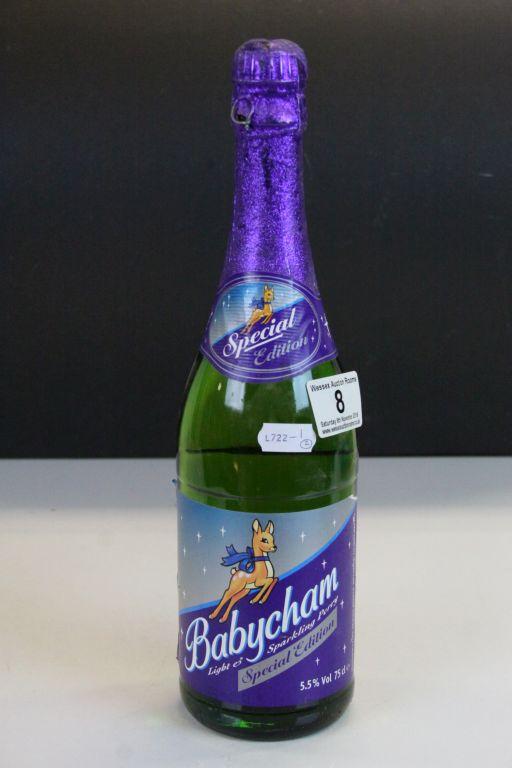 Lot 8 - Vintage boxed set of six Babycham Glasses and an unopened Bottle of Babycham