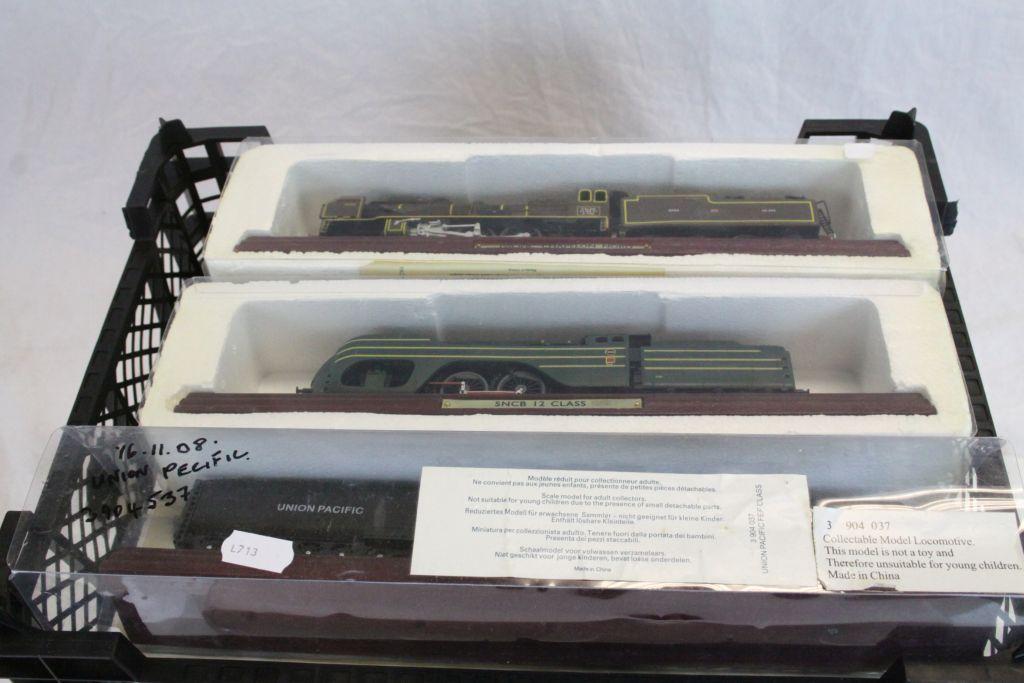 Lot 25 - 14 model locomotives in original boxes