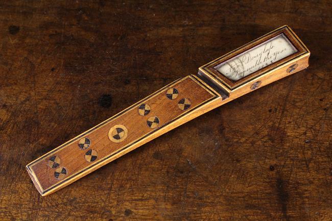 Lot 42 - A 19th Century Inlaid Mahogany Knitting Sheath bordered in strings of ebony and boxwood,