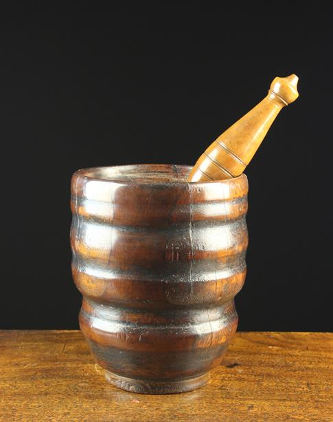 Lot 25 - A Fine Late 19th/Early 19th Century Turned Treen Pestle & Mortar.