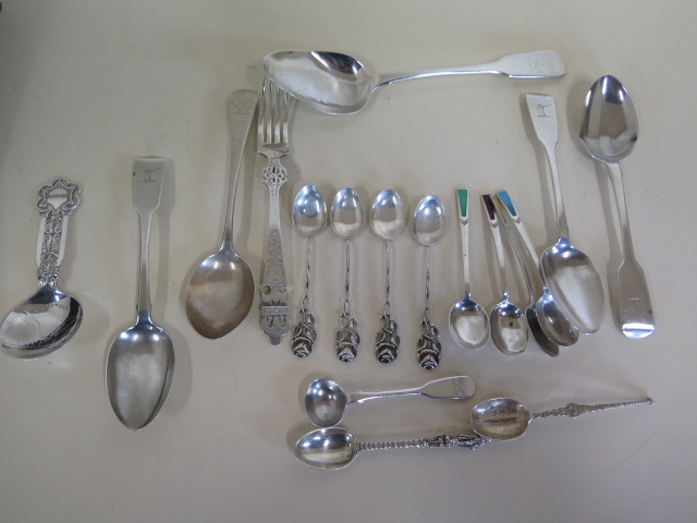 Lot 529 - Assorted silver flatware, seventeen pieces and a plated souvenir spoon, approx 11.7 troy oz