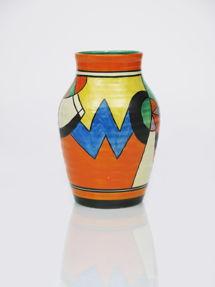 'Blue W' a Clarice Cliff Bizarre single-handled Isis vase, painted in colours between orange and - Image 3 of 4