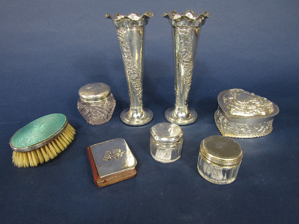 Lot 219 - A mixed collection of silver to include a Victorian heart shaped silver trinket box with relief