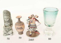 Kleine Vase in etruskischem StilTon. 14cm. Zustand: II