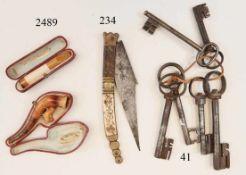 Konvolut 6 alte Tür/Truhenschlüssel 18.Jhdt.Eisen. 11-16cm. Zustand: II