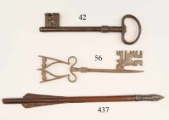 Großer Torschlüssel, 18.Jhdt.Schmiedeeisen. Verziert. 25cm. Zustand: II