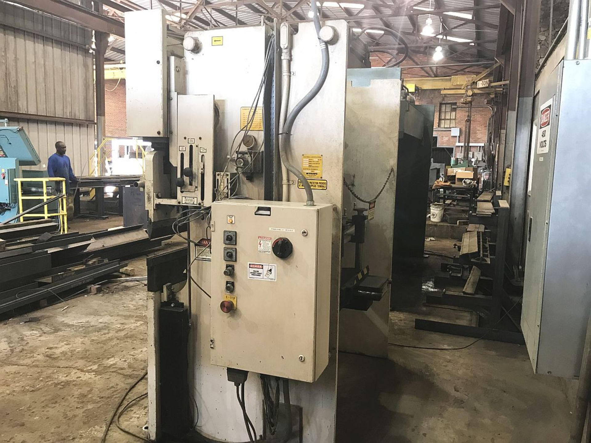 "Lot 249 - Wysong Press Brake, Mdl MTH60-72, 60 ton x 72"" cap., 61.75"" BH, 6"" Stroke, Hurco Autobend 7 Control,"