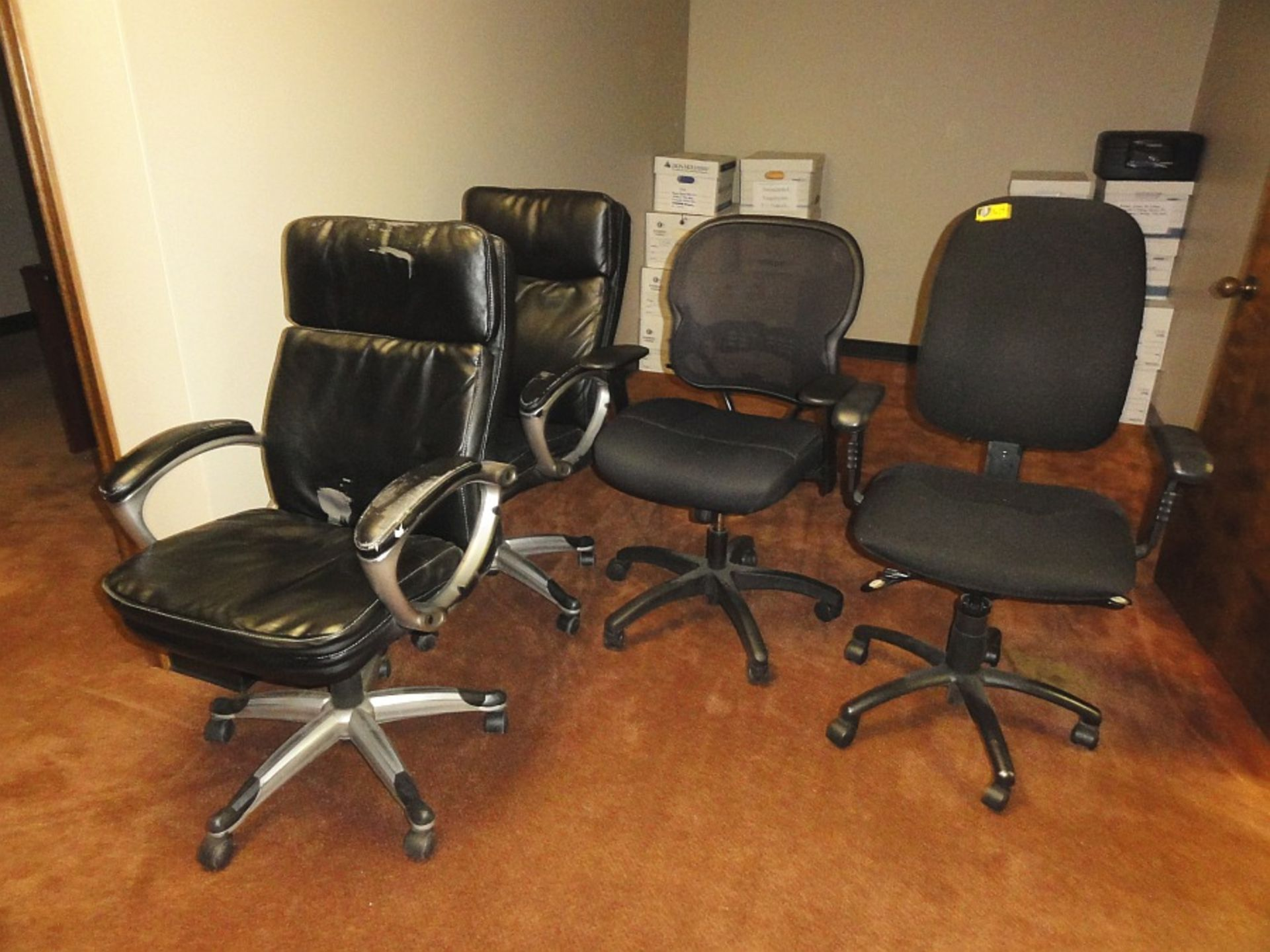 Lot 679 - Rolling Desk Chairs