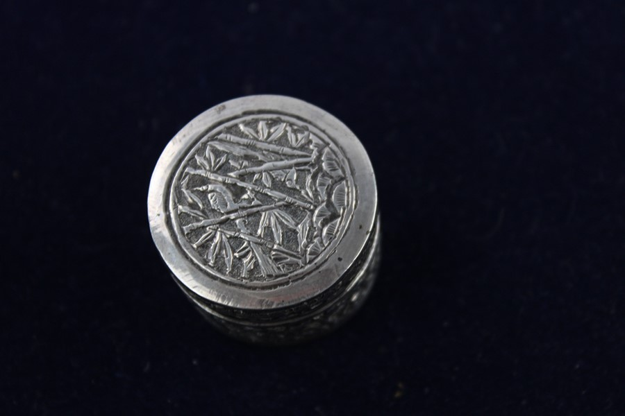 Lot 51 - 3 x Vintage 800 and 925 silver pill/ trinket boxes Inc egg design 52g Items are in vintage condition