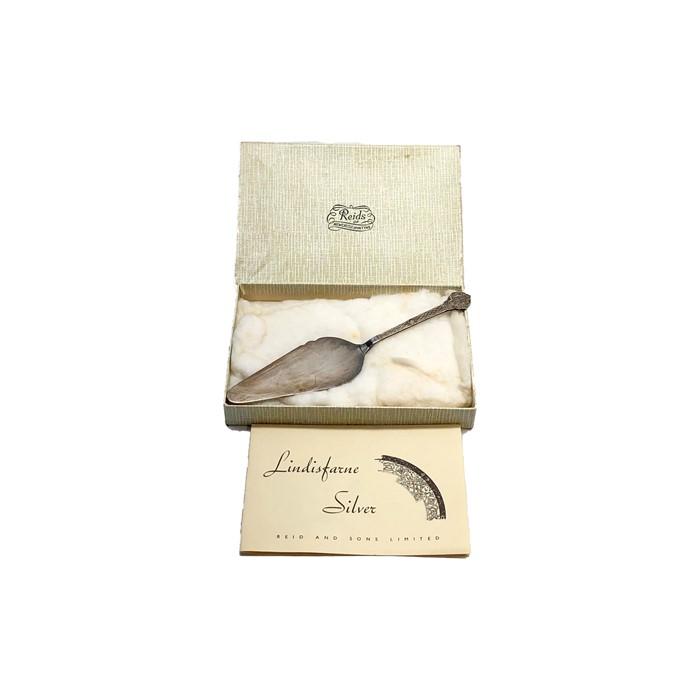Lot 12 - Vintage Lindisfarne celtic silver server original boxed by reid and sons full silver hallmarks measu