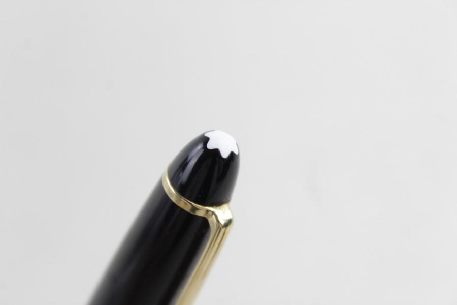 Lot 607 - Montblanc Meisterstuck black ballpoint pen serial number CT1489669