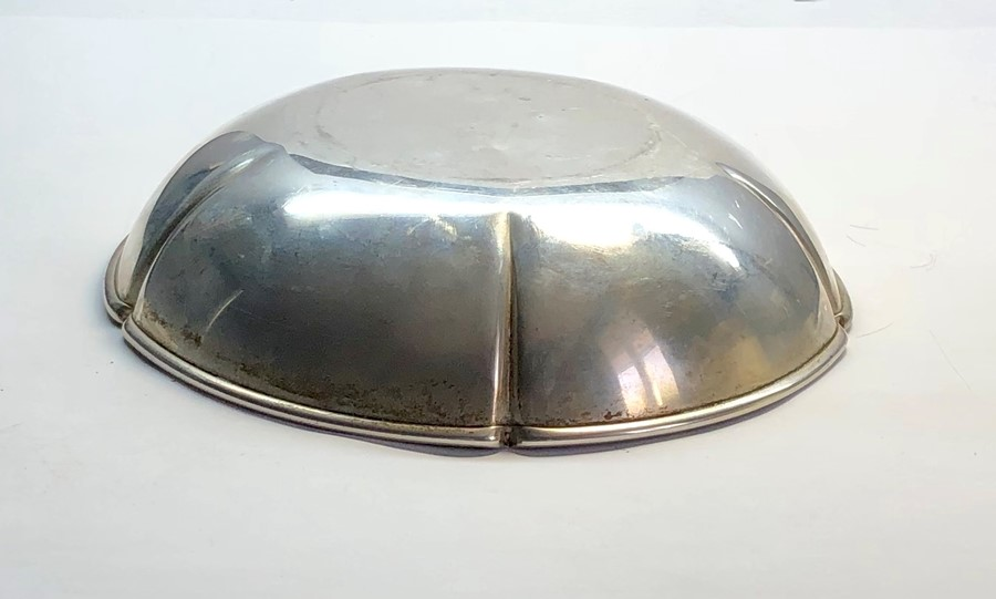 Lot 41 - Hallmarked silver fruit bowl measures approx. 20cm dia hallmarked randahl sterling 243/8 weight 273
