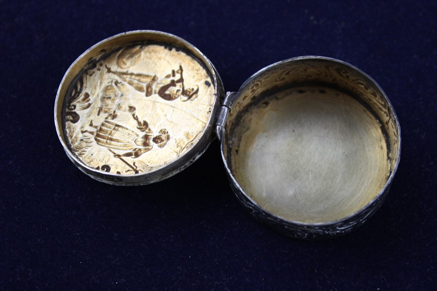 Lot 56 - 3 x Vintage 800 and 925 silver pill/ trinket boxes Inc scenic (53g) Items are in vintage condition s