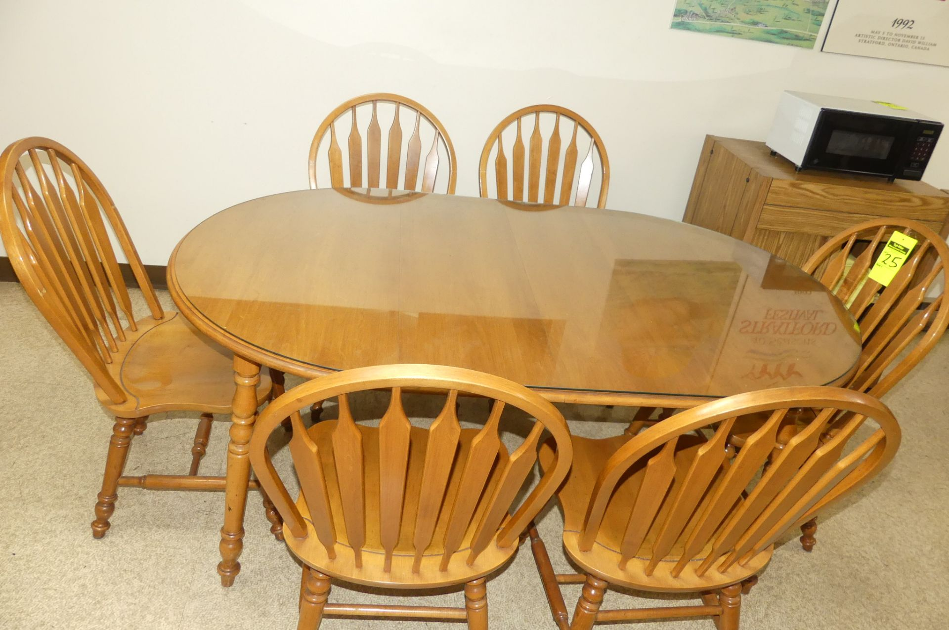 ROXTON TABLE & 6-CHAIRS