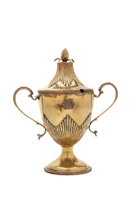 Lot 1 - A George III silver gilt cup and cover, by Ebenezer Coker 1775