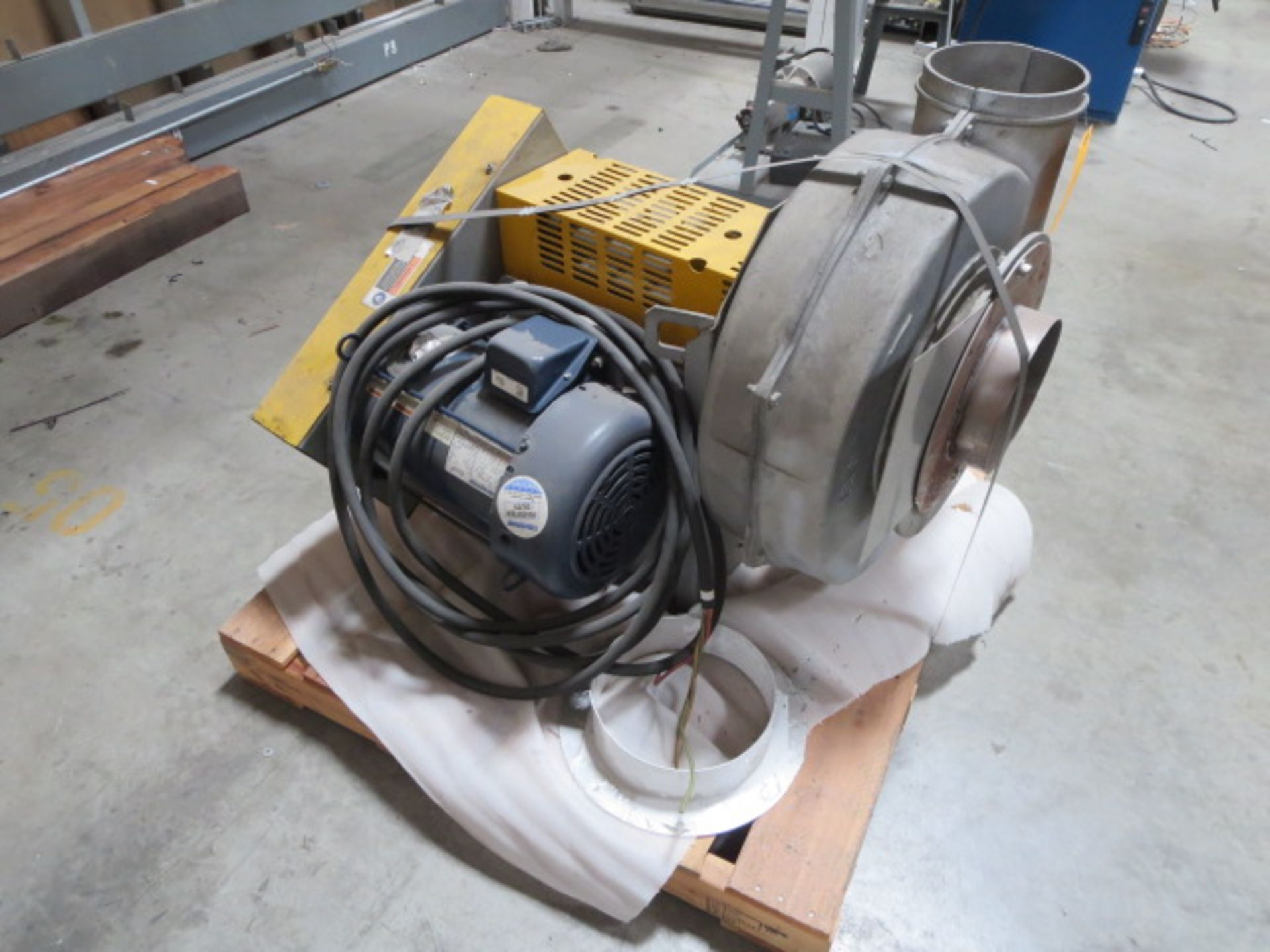 Lot 337 - Motor and Blower