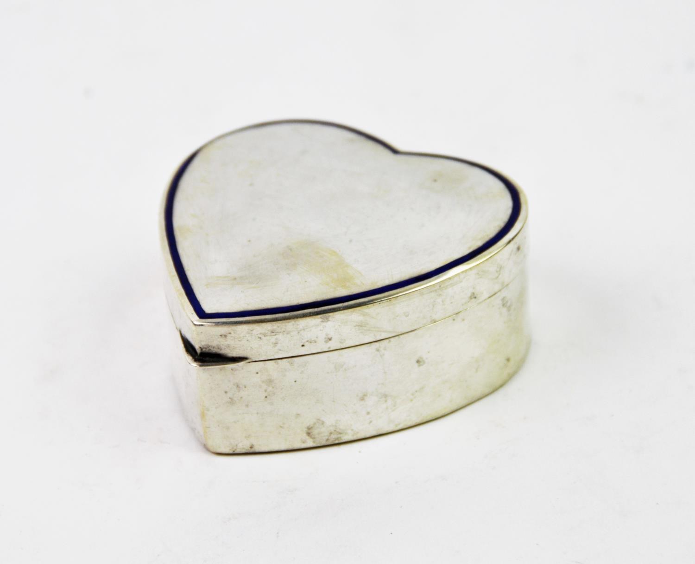 Lot 31 - A George V silver heart form box, E S Barnsley & Co, Birmingham 1911, of plain polished form, with