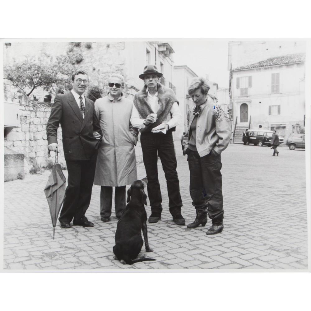 "Lot 35 - DAVIDE BRAMANTE - TURI RAPISARDA FOTOGRAFIA ""I sovversivi con Joseph Beuys"" 1997 - 2007, firmata nel"