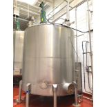 Lot 21 - The Heil Co. 3100 Gallon Stainless Steel Vertical Mixing Tank