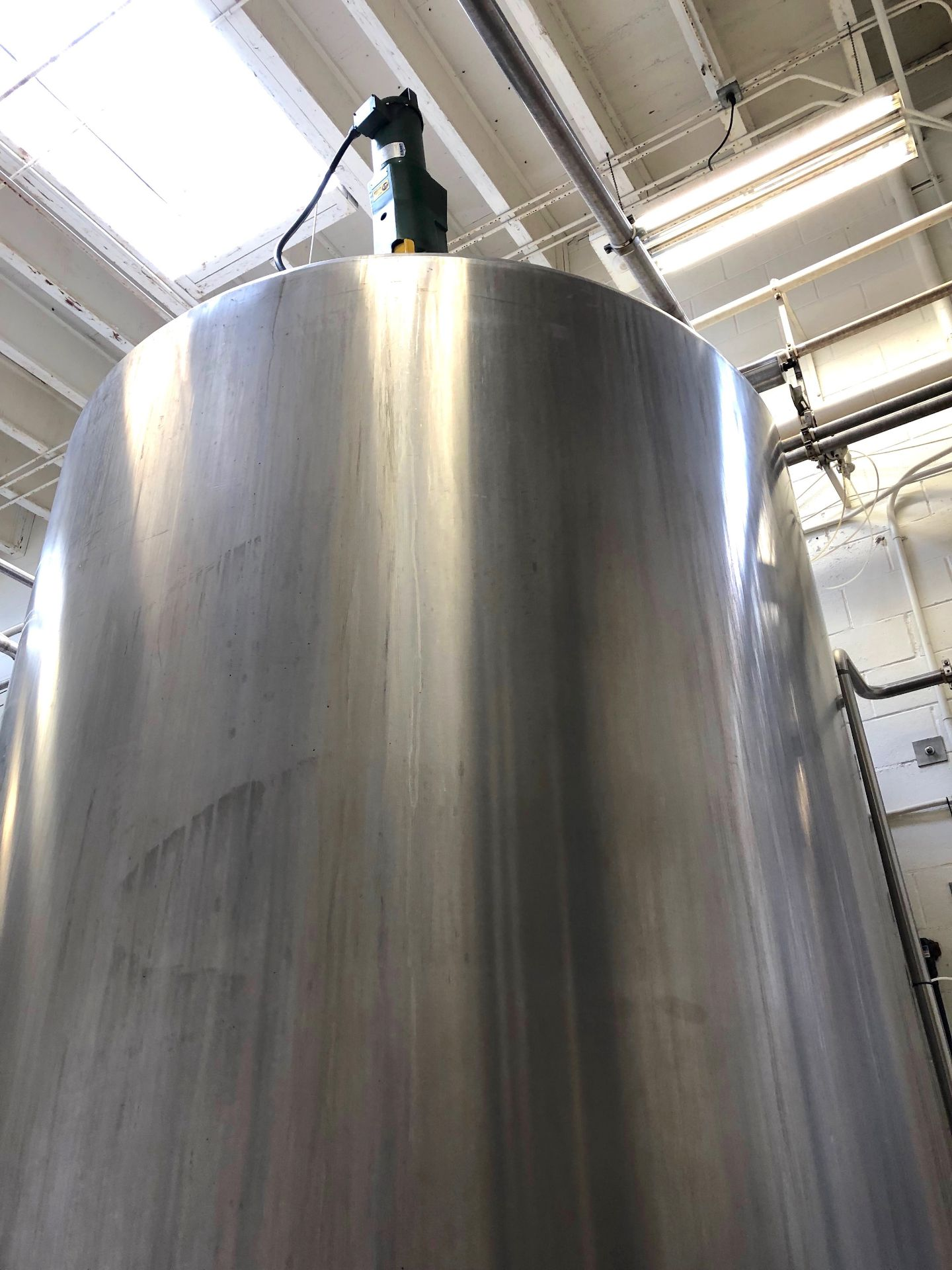 Lot 20 - Cherry Burrell 4000 Gallon Stainless Steel Vertical Mixing Tank