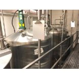 Lot 23 - 900 Gallon Stainless Steel Vertical Mixing Tank