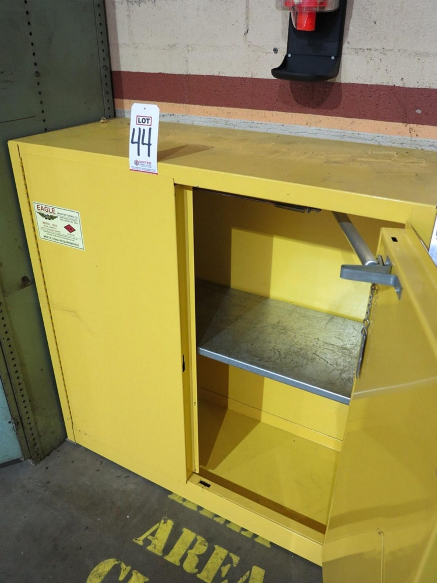 Lot 44 - EAGLE MFG. FLAMMABLE LIQUIDS CABINET, MODEL 3010, 30 GALLON CAPACITY