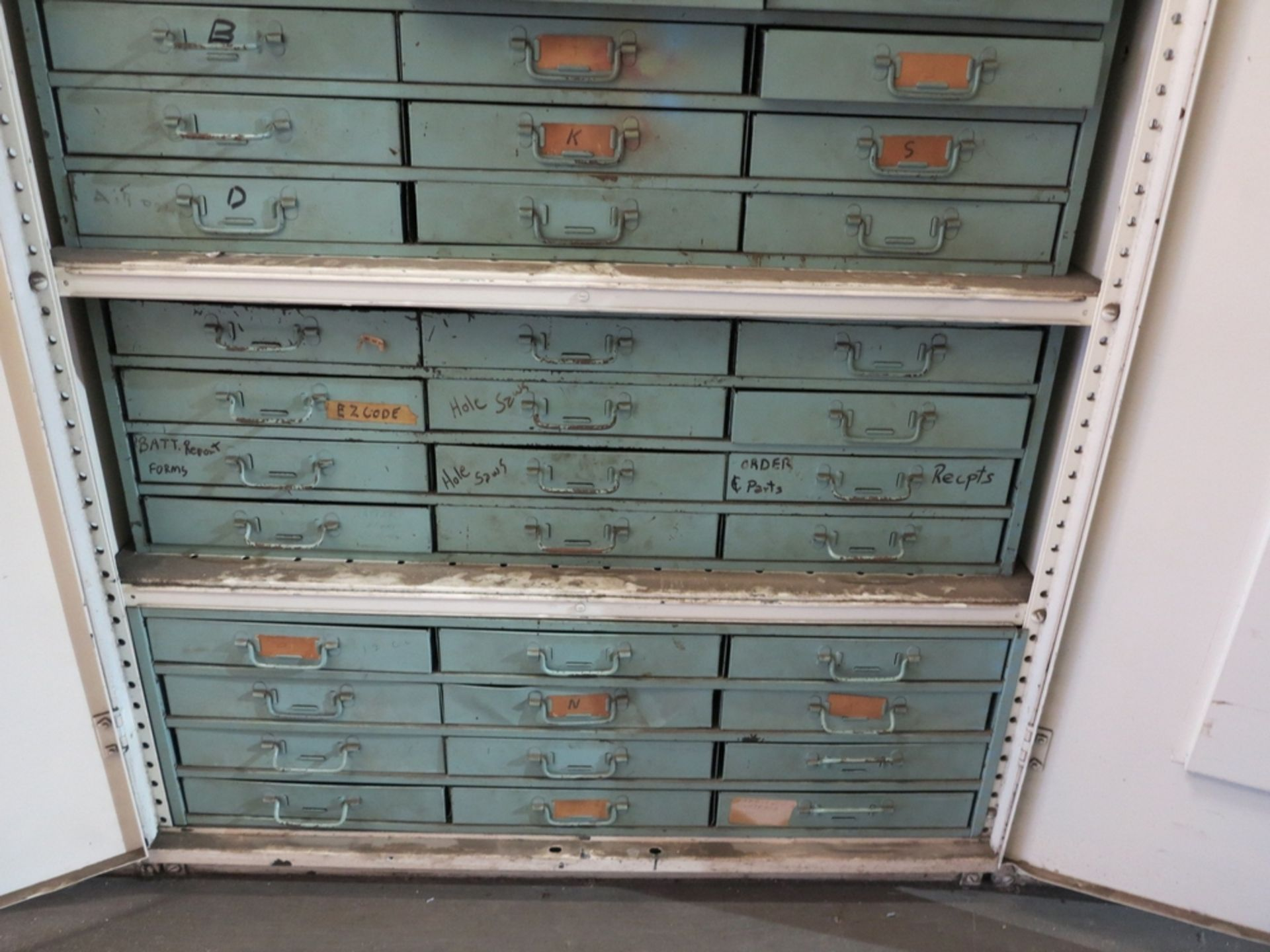 Lot 29 - 2-DOOR STORAGE CABINET W/ CONTENTS TO INCLUDE: CIRCUIT BREAKERS, VALVES AND RELATED ITEMS