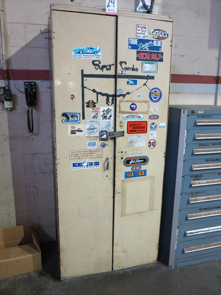 Lot 24 - 2-DOOR STORAGE CABINET W/ CONTENTS OF DROPLIGHTS AND EXTENSION CORDS